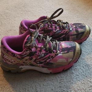 Girls Asics Noosa shoes